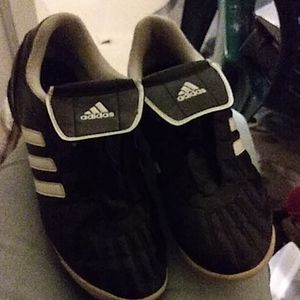 Adidas baseball shoes
